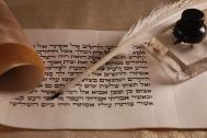 The old way of writing a story! Image via Pixabay