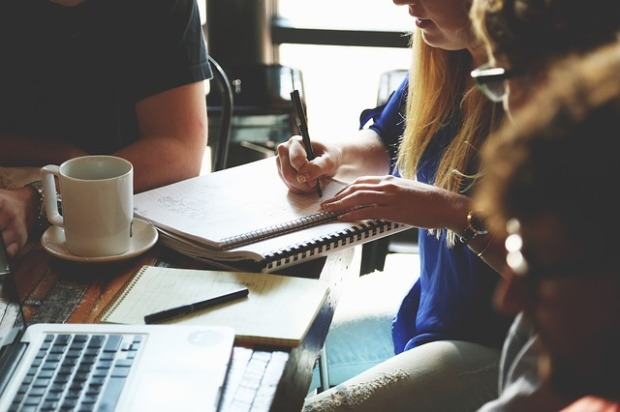 Whether you write flash fiction or other kinds of story, brainstorming sessions are invaluable. I have, less often, used them to generate ideas for non-fiction work. Image via Pixabay.