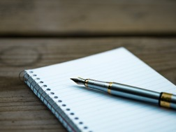 You can't beat the trusty notebook and pen for interview notes. Image via Pixabay.