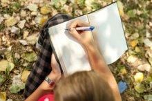 The joy of writing. Image via Pixabay.