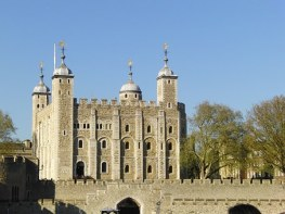 The Tower of London. Setting for Kindred Spirits: Tower of London by Jennifer C Wilson. Image via Pixabay.
