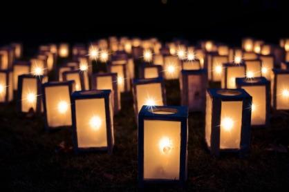 Christmas lights. Image via Pixabay.