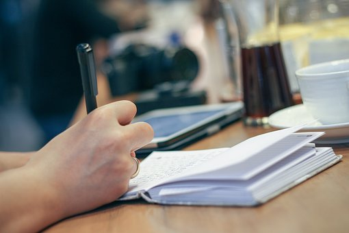You can't beat notebooks for jotting down ideas. Image via Pixabay.