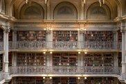 A stunning library. Image via Pixabay