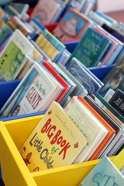 A lifelong love of reading usually starts very young. Image via Pixabay.