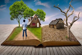Books should show you other worlds. Image via Pixabay.