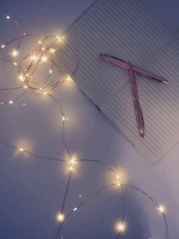 Let your writing sparkle. Image via Pexels.