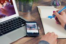 Online writing -v- on a line writing! Image via Pixabay