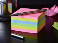 The ever useful post-it note. Image via Pixabay.