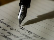 The precursor to blogging - journal keeping, Image via Pixabay.