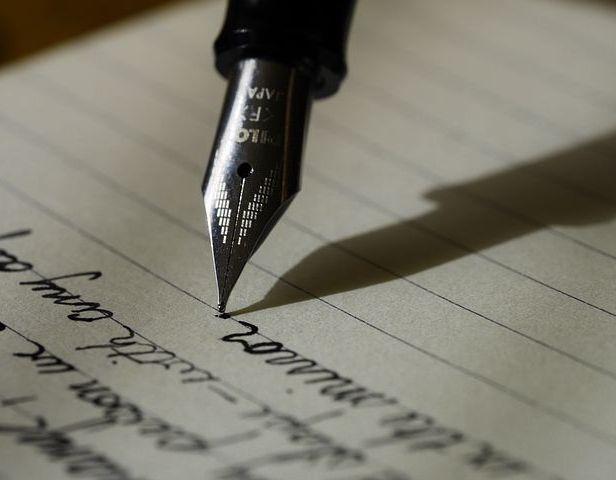 The precursor to blogging - journal keeping, Image via Pixabay.