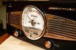 Old radio. Pixabay image.