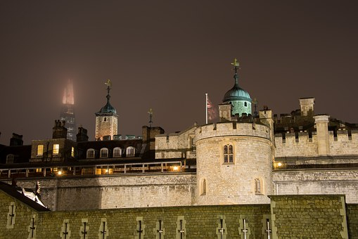 The Tower of London as night falls - image via Pixabay
