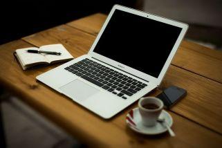 The writing necessities! Pixabay image.