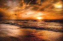 The sun setting. Pixabay image.