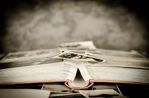 Photos are vital to help preserve memories. Pixabay image.