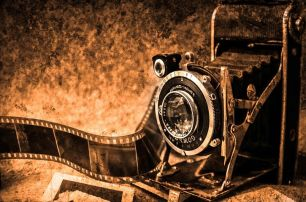 Photos the old school way. Pixabay image.