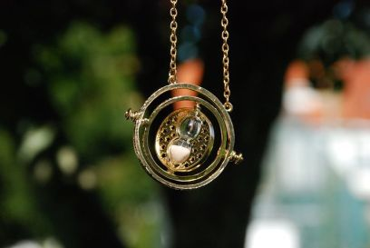 The time turner. Pixabay image.