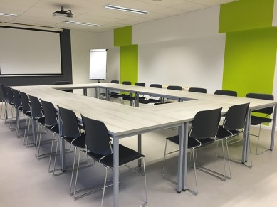 A familiar sight at writing conferences! Pixabay image