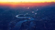 The Thames really does look like a snake from on high - Pixabay