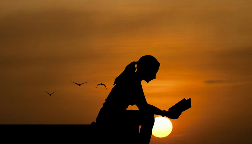 The perfect way to end a day - with a good book - Pixabay
