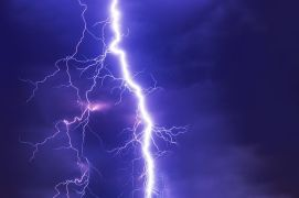 FLASH - Flash fiction, like lightning, is fast and to the point - Pixabay