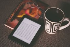 SEASONS IN WRITING - The mug looks a decent size and I love the Kindle