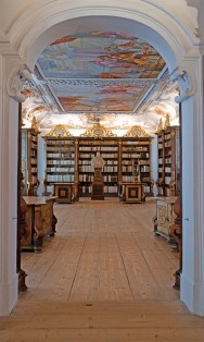 Would love to spend some time in this lovely library