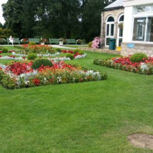 The gardens at Swanwick are lovely. Image by Allison Symes
