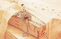 Books can be one major key to knowledge - image via Pixabay