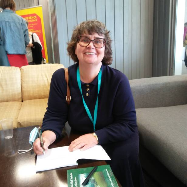 Many thanks to Fiona Park for taking this author pic of me on my phone - always tricky to do this yourself